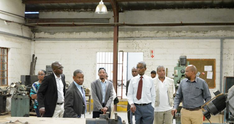 BITRI Hosts Kanye Campus Facilities Tour for Minister Molefhi